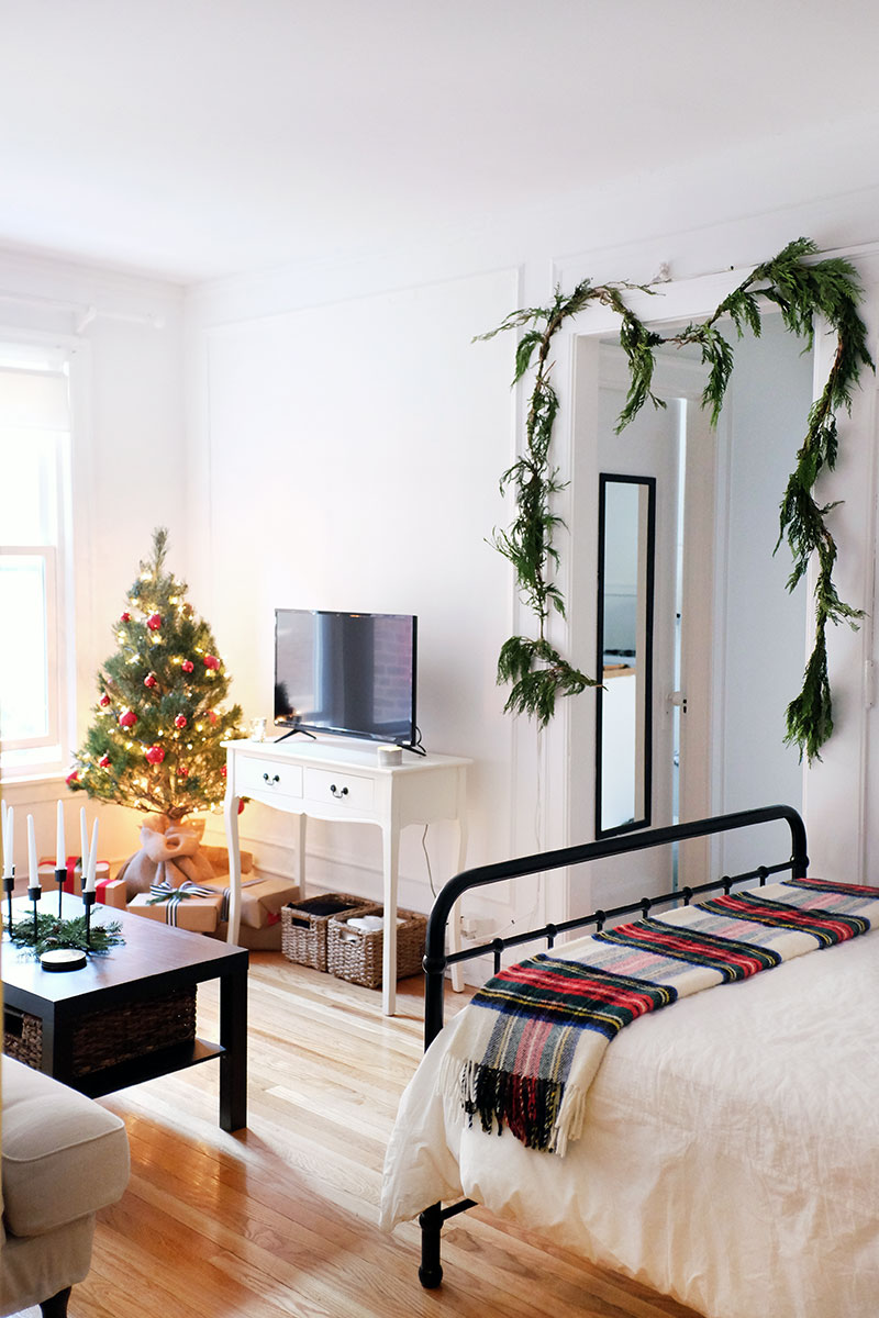 I Decorated My Studio Apartment for the Holidays with Just ...