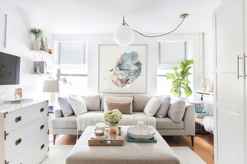 minimal living room inspiration | coffee table decor