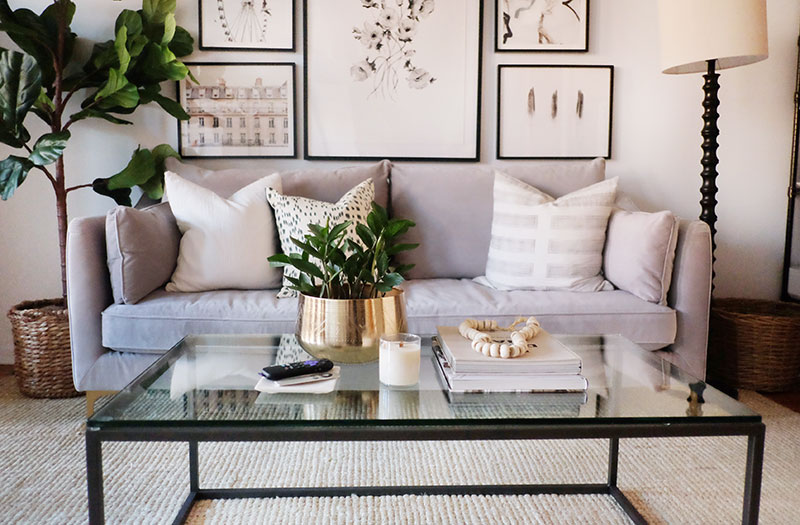 minimal coffee table decor