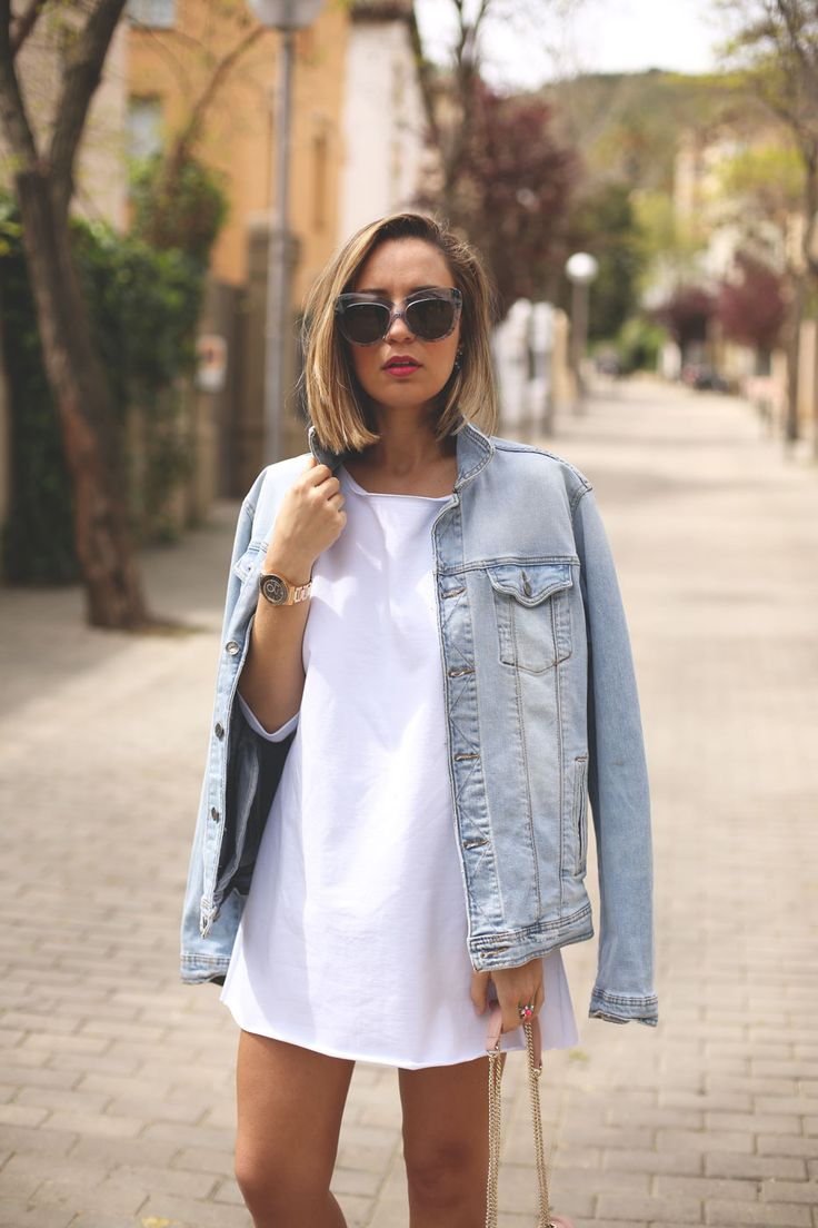6 Ways to Style an Oversized Denim Jacket | The Everygirl