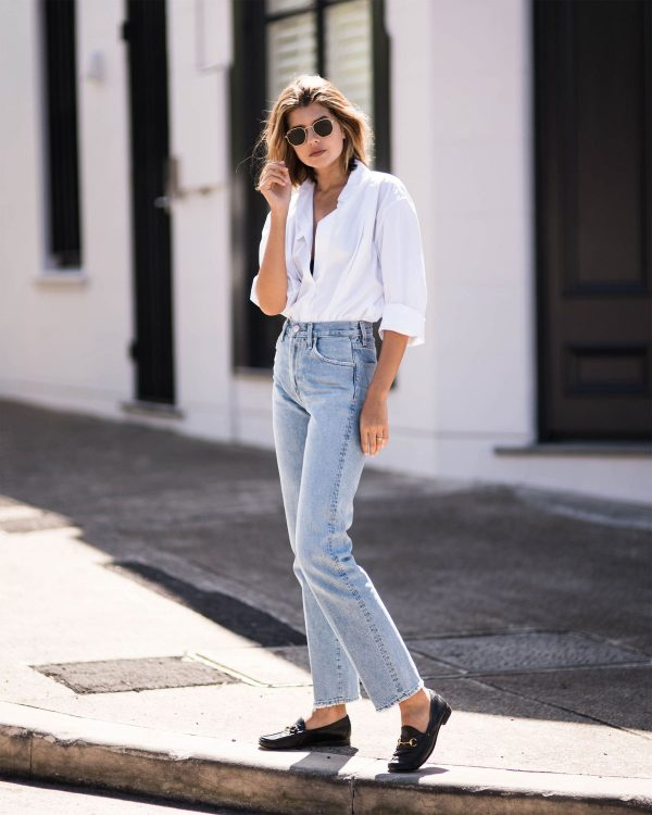 6 Different Ways to Style Mom Jeans